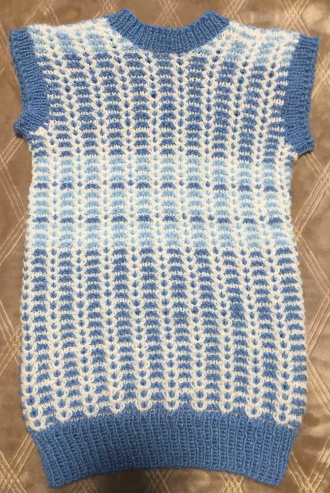 голубая жилетка
