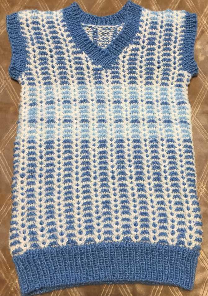 голубой жилет